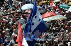 Honduras: Tổng thống bị lật đổ không thể về nước