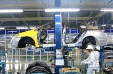 Doanh số bán ôtô giảm 30% trong 6 tháng đầu