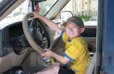 Cậu bé Canada 7 tuổi lái xe với tốc độ 70km/h