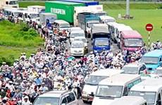 TP.HCM phân luồng giảm ùn tắc xa lộ Hà Nội