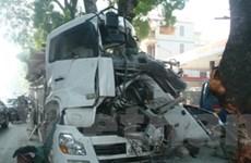 Tai nạn xe tải kinh hoàng, tài xế tử nạn