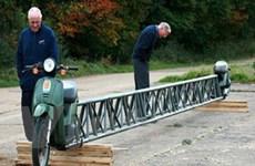 Xe máy dài nhất thế giới với vận tốc 50km/giờ