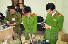 """Hơn 1.000 khẩu súng nhựa """"nhảy dù"""" vào Hà Nội"""