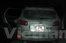 Hà Nội: Bơm nhầm xăng, ôtô tiền tỷ cháy dữ dội