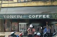 """Nghi án vỡ nợ, chuỗi càphê Tonkin lần lượt """"đóng cửa"""""""