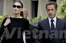 Tổng thống Pháp Nicolas Sarkozy ra viện