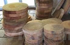 Thu hơn 300 thớt gỗ nghiến vận chuyển trái phép