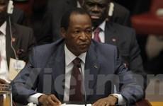 Tổng thống Burkina Faso buộc phải rời bỏ thủ đô