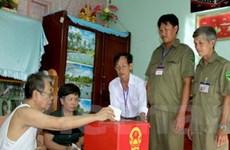 Các cử tri đi bầu cử với tinh thần trách nhiệm cao