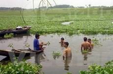 6 nữ sinh chết đuối khi bơi thuyền trên sông Hồng