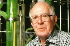 Các nhà khoa học thường đoạt Nobel khi về già