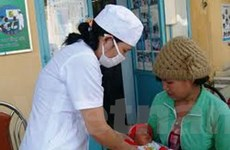 Prudential hỗ trợ thiết bị y tế chăm sóc trẻ sơ sinh