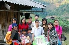 Tặng quà Tết cho 1.200 hộ nghèo ven biển Bạc Liêu