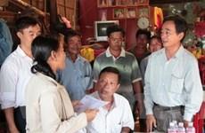 Hỗ trợ Việt kiều ở Campuchia mất nhà vì sạt lở đất