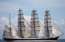 Chiếc thuyền buồm cổ nhất của Nga viễn du thế giới