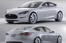 Hãng Tesla giới thiệu mẫu xe điện sedan tại Mỹ
