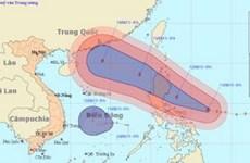 Bão kèm áp thấp nhiệt đới gần khu vực biển Đông