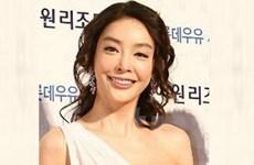 """Mảng đen showbiz Hàn: Nữ diễn viên bị ép """"mua vui"""""""