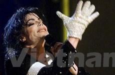 Cuộc đua phát hành tiểu sử Michael Jackson
