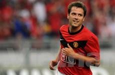 Owen ra mắt M.U với bàn thắng tại Malaysia