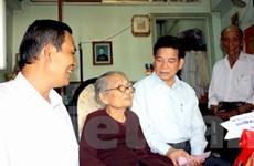 Chủ tịch nước thăm gia đình thương binh, liệt sỹ