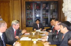 Đảng CS Việt Nam-Nga nhất trí tăng cường quan hệ