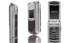 Vertu ra mắt phiên bản điện thoại gập đầu tiên
