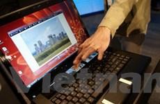 Ấn tượng laptop có đến... 4 màn hình từ Intel