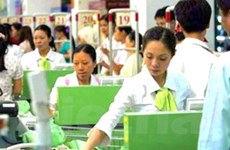 Thị trường lao động: Nhộn nhịp song cần điều tiết
