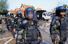Binh sĩ Thái mang vũ khí để đối phó với bạo lực