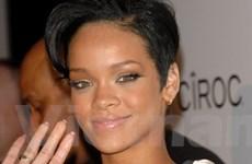Rihanna hé lộ danh sách ca khúc trong album mới