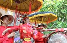 Tưng bừng rộn ràng lễ hội Gióng đền Phù Đổng
