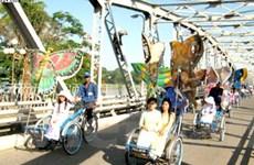 Mở tour Xuân tham quan cố đô Huế bằng xích lô