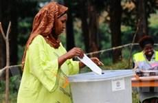 Người dân Uganda bầu cử tổng thống và quốc hội