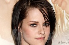 """Ma cà rồng"" Kristen Stewart chuyển biến sắc đẹp"