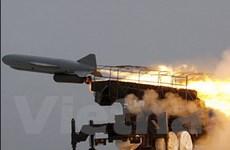 Iran phô trương tên lửa hành trình mới tự sản xuất