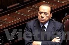 Phe đối lập Italy đòi Thủ tướng Berlusconi từ chức