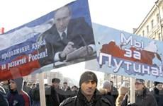 Người dân Nga phản đối cuộc cách mạng sắc màu