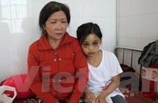 Khởi tố, bắt tạm giam bà mẹ hành hạ con gái nuôi