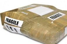 Cơ quan thu thuế Italy nhận bưu kiện chứa chất nổ