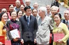 Chủ tịch nước gặp gỡ các đại biểu phục vụ Bác Hồ