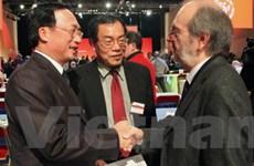 Đoàn Đảng CS Việt Nam dự Đại hội Đảng CS Pháp