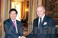 Việt-Pháp: Hướng tới mối quan hệ đối tác chiến lược