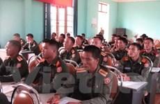 Mở lớp bồi dưỡng nghiệp vụ cho cán bộ quân đội Lào