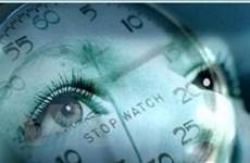 Đồng hồ sinh học của cơ thể chạy chậm hơn 2 giờ