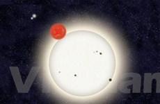 Phát hiện một hành tinh có bốn ngôi sao chiếu sáng