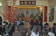 Phong tục lễ chùa đầu năm của người Việt tại Đức