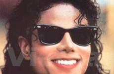 """Michael Jackson """"công phá"""" các bảng xếp hạng"""