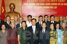 Tặng huân chương cho nguyên lãnh đạo Chính phủ