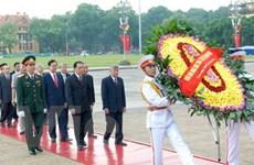 Lãnh đạo Đảng và Nhà nước viếng Hồ Chủ tịch